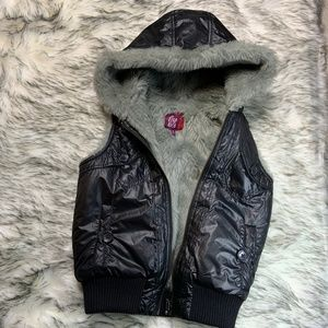 Girls' Hooded Fur Lined Puffer Vest Black Size M